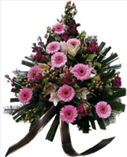 Cenaze için serme çiçekler