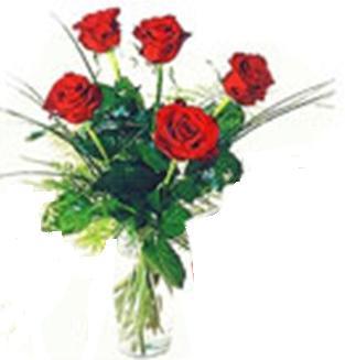 5 adet kırmızı güllerden aranjman