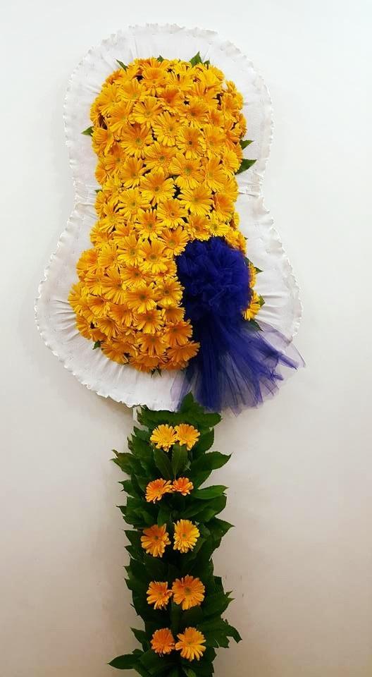 Sarı lacivert özel tasarım duvak / Düğün ve açılış merasim çiçeği  model duvak ortalama 80-100 adet sarı cerbera kullanılmış olup ortalama boy 230 cm ile 250 cm aralığındadır