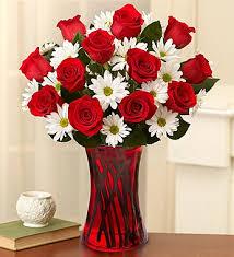 12 adet gül ve kır çiçeklerinden hazırlanmış özel aranjman