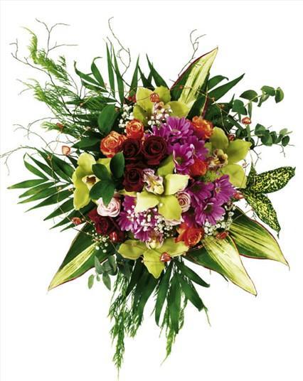 Orkideler güller ve mevsim çiçekleriyle hazırlanmış şık buket