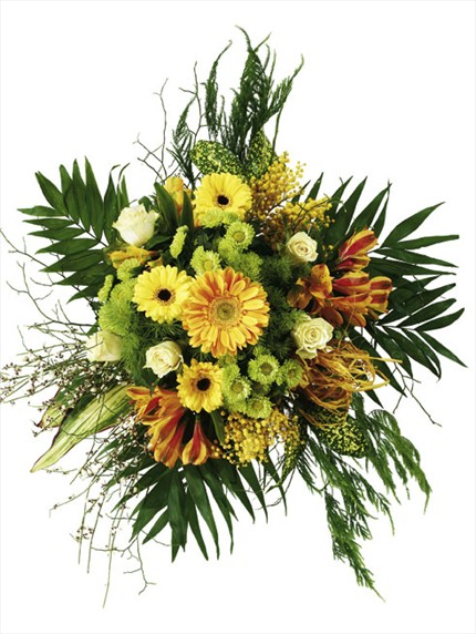 Mevsim çiçekleriyle hazırlanmış buket