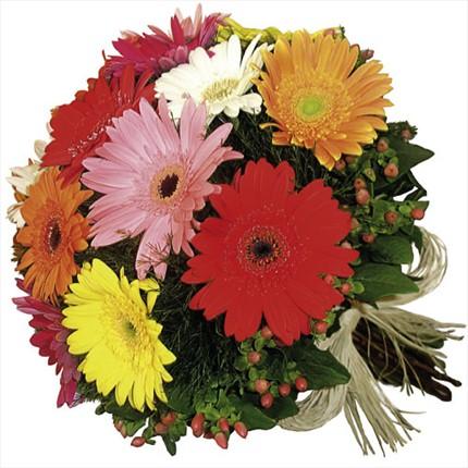 Mevsim çiçeklerinden buket