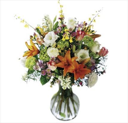 Cam vazo içerisine hazırlanmış aranjman