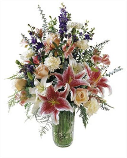 Mevsim çiçeklerinden camvazo aranjman