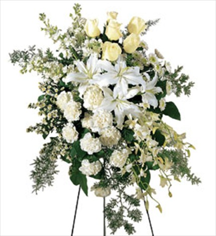 Güller ve mevsim çiçeklerinden hazırlanmış ferforje aranjman