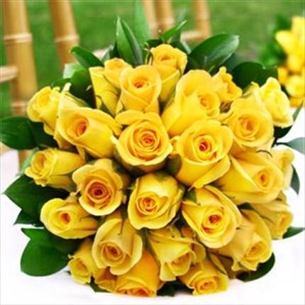 19 adet sarı güllerden hazırlanmış buket