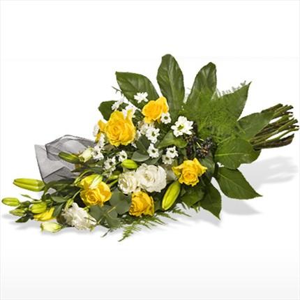 Sarı güllerden hazırlanmış özel tasarım buket