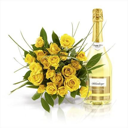 Sarı güller ve şaraplı buket
