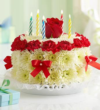 Doğum gününe özel kırmızı güller ve kırçiçekleri