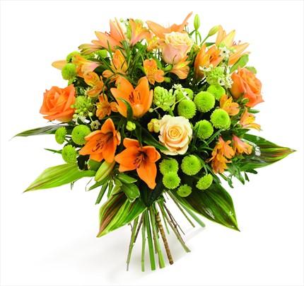 Turuncu lilyum ve turuncu güllerle hazırlanmış mevsim buketi