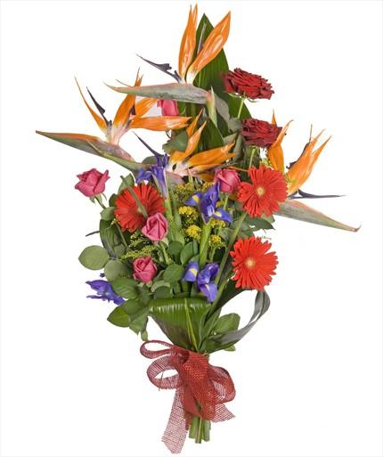 Uzun saplı çiçeklerden asimetrik buket