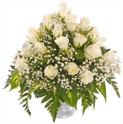 Beyaz güllerden aranjman