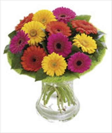 Mevsim çiçeklerinden hazırlanmı aranjman