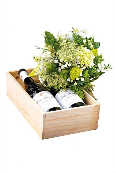 Mevsim buketi ve 2 adet şampanya veya şarap