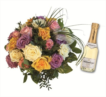 Harika, dekoratif, yuvarlak buket ve yanında 0.75 l Schlumberhger Köpüren şarap