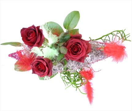 3 adet kırmızı güllerden buket