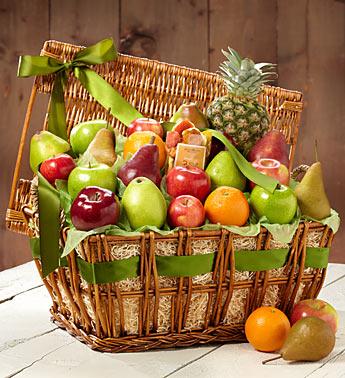 Ananas ve mevsim meyveleri ile hazırlanmış aile boyu meyve sepeti