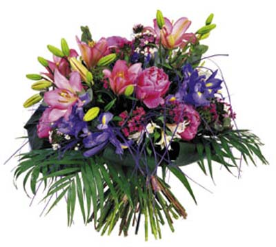 Lilyumlar ve mevsim çiçeklerinden hazırlanmış buket