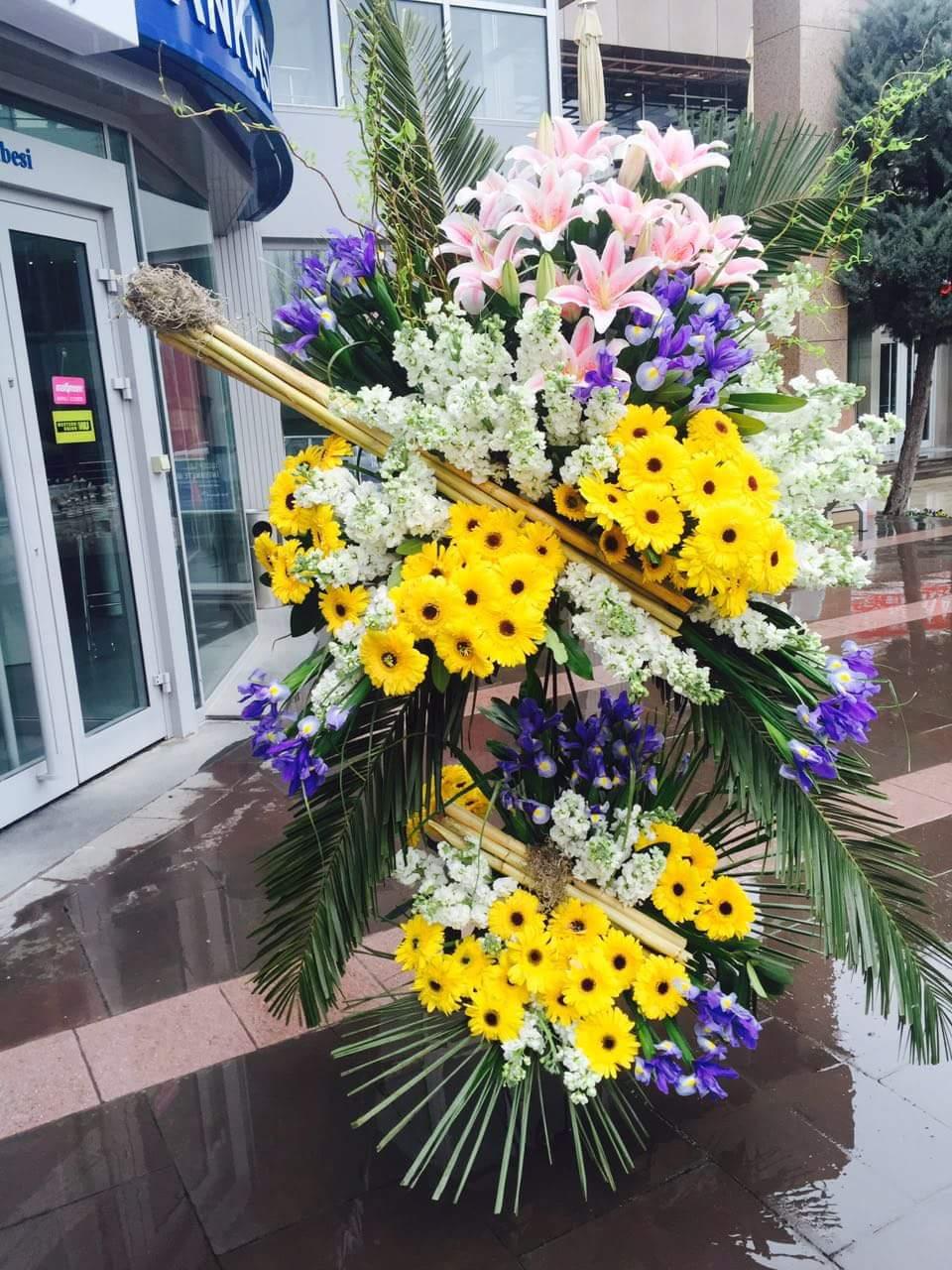 Sarı çiçek seramoni ferforje aranjman ortalama boy (180-210 cm)