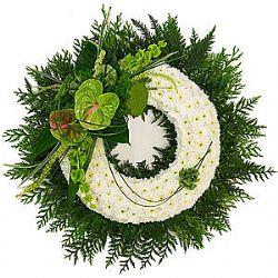 Kasımpatlarla hazırlanmış cenaze merasim çiçeği çelenk