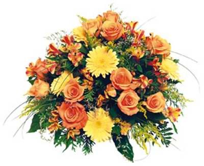 Güller&mevsim çiçeklerinden buket