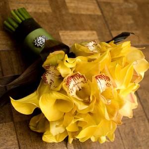Sarı orkideler ile hazırlanmış özel tasarım gelin el buketi