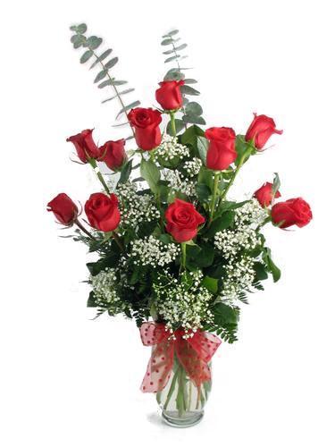 11 adet kırmızı güllerden hazırlanmış arajman