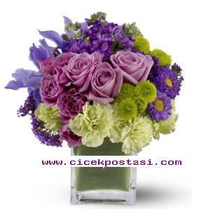 Pembe güller&mevsim çiçeklerinden hazırlanmış farklı tasarım